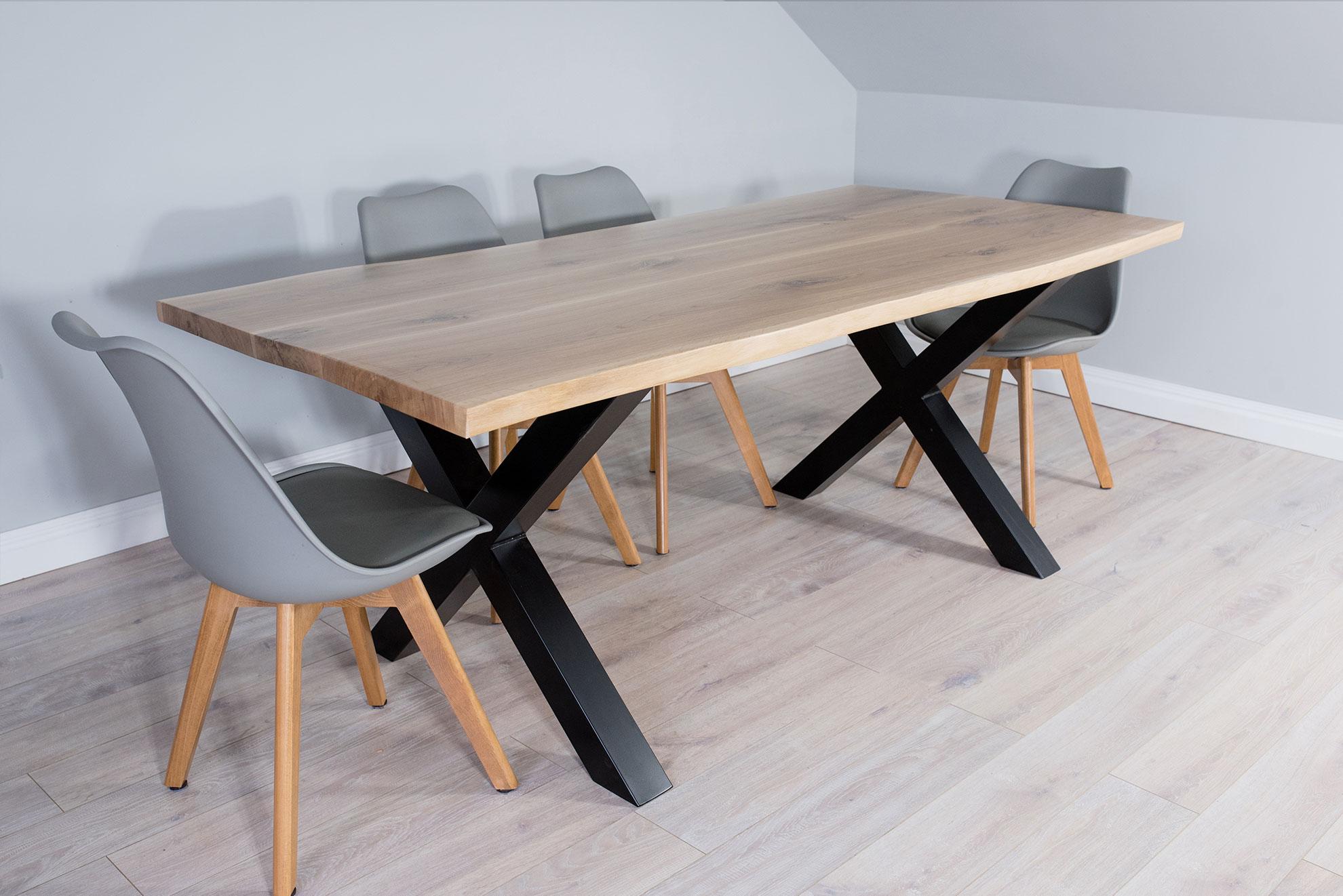 Kuchenny stół z litego drewna dębowego