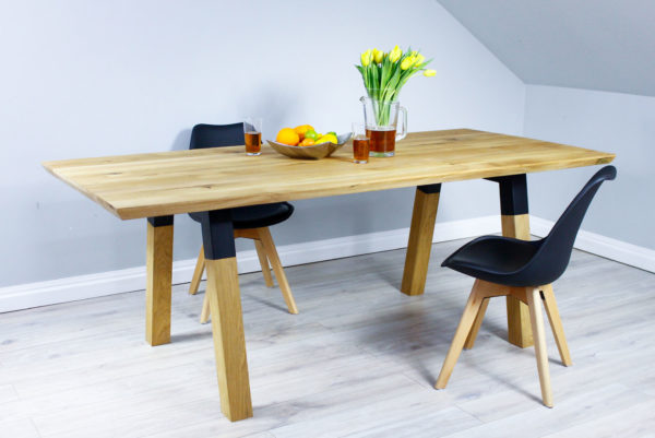 Dębowy Stół do Jadalni z Masywną Podstawą