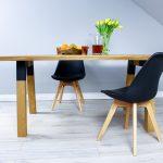 Stół Jesionowy z Elementami Metalowymi