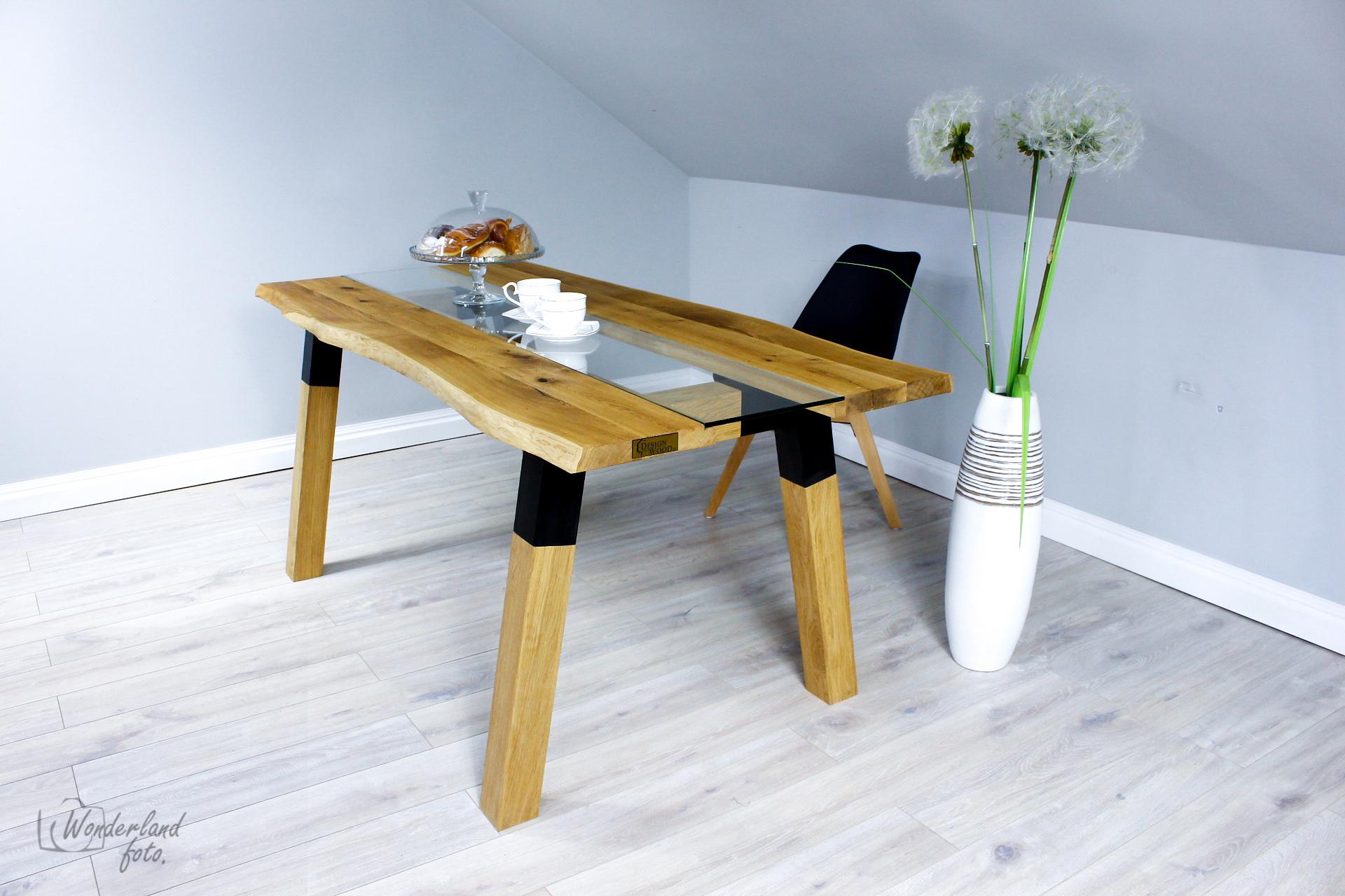 Stół drewniany dębowy z dodatkiem szkła